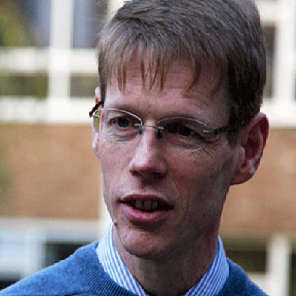 Head and shoulders profile picture of Professor Jonathan Hyde
