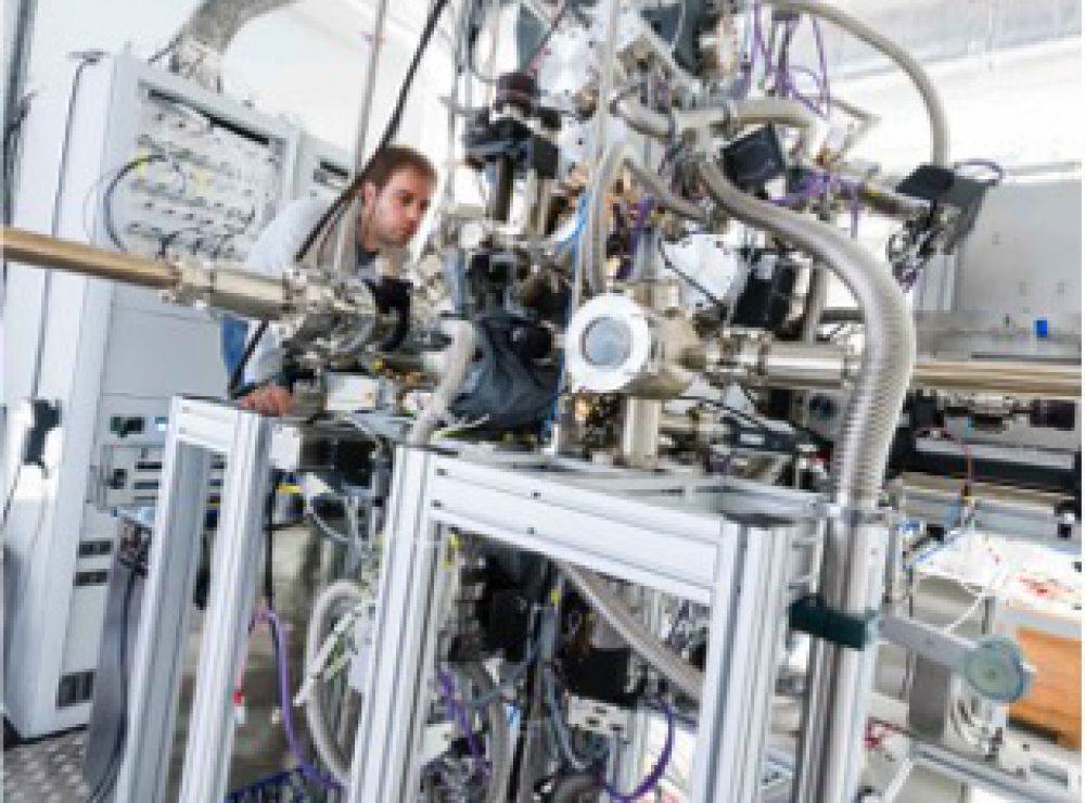 High Pressure Photoelectron Spectroscopy (HiPPES)
